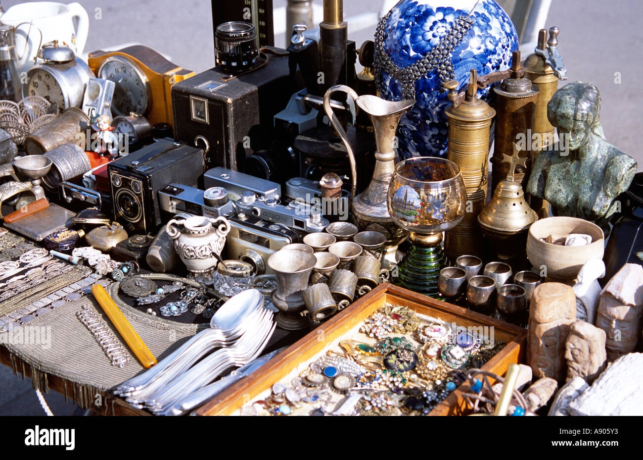 Antiques for sale on stall, Sofia, Bulgaria Stock Photo: 6975602 - Alamy