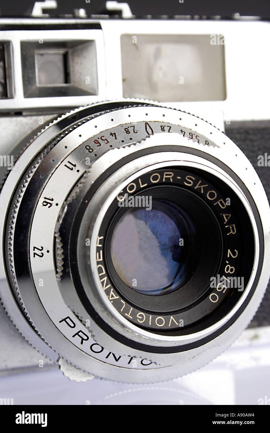 VDA78035 Old antique photography camera rangefinder voigtlander - Stock Image