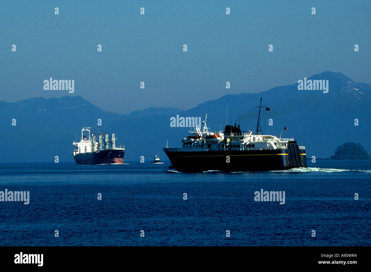 PA7-88   ALASKAN FERRY LEAVING KAKE - Stock Image