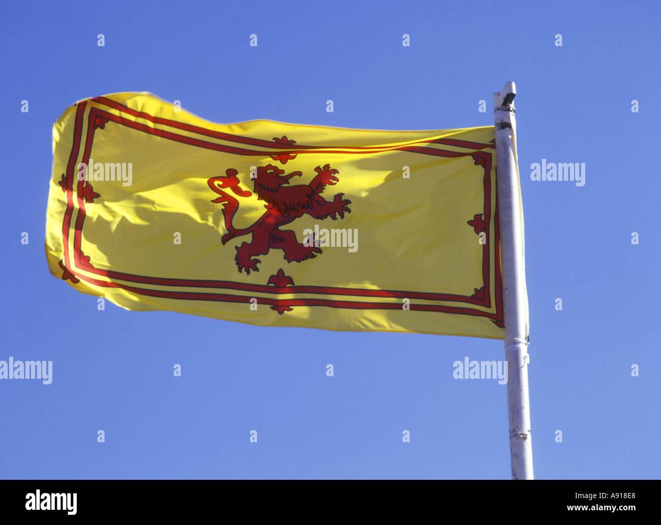 dh  FLAG SCOTLAND Royal Standard of Scotland Scottish Rampant Lion Flag bhz Stock Photo