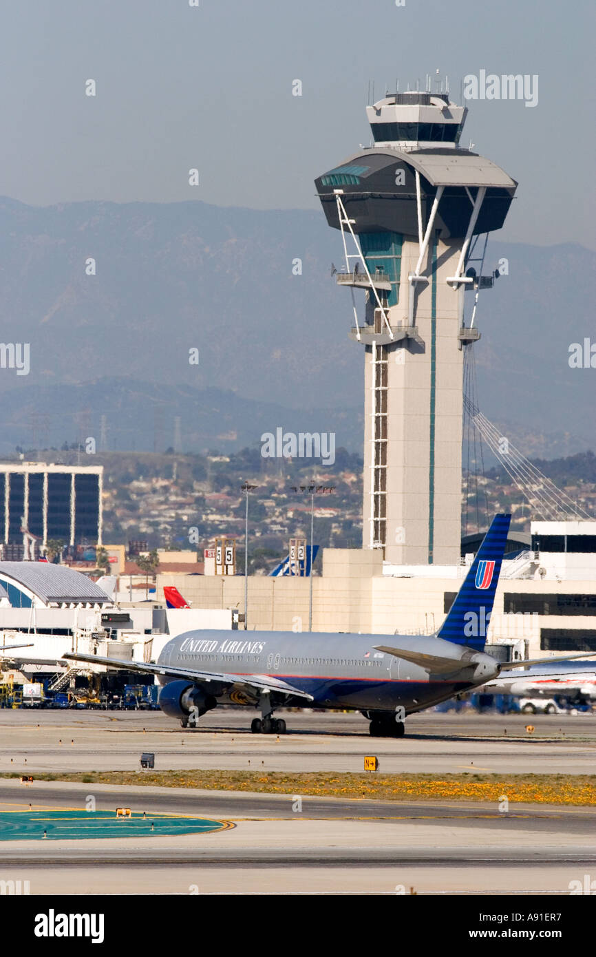 United Airllines Boeing 767 on taxiway at LAX airport in Los Angeles, California. - Stock Image
