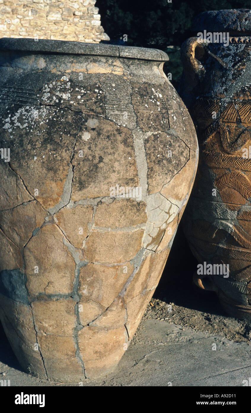Amphora pot pottery Greek Roman artifact artefact mediterranean - Stock Image