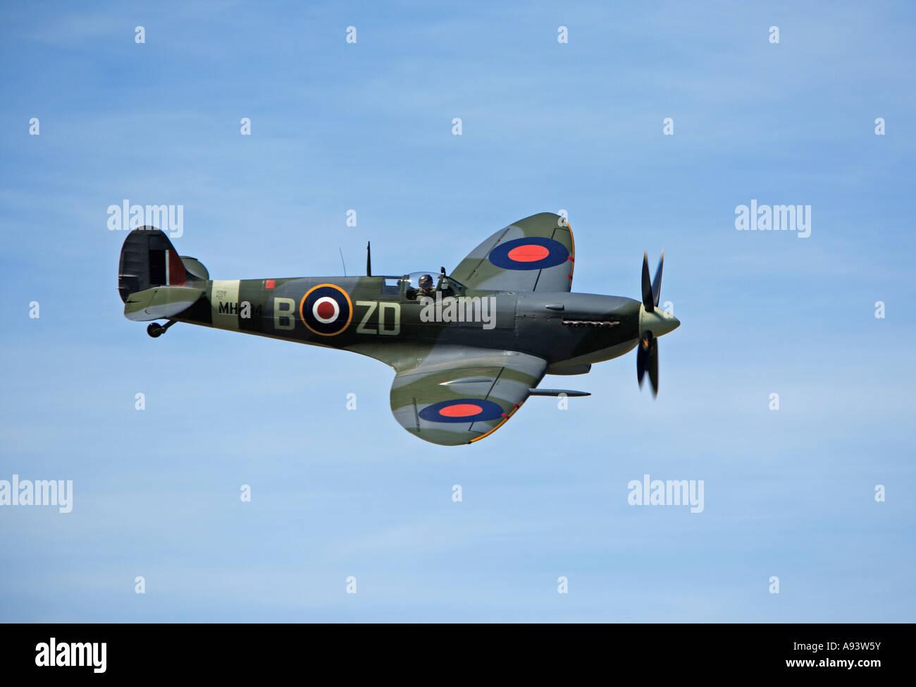 G ASJV Spitfire Mark IX Breighton July 2006 - Stock Image