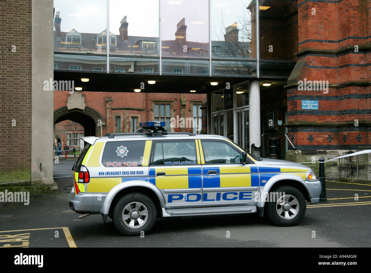 PSNI 4 wheel drive police vehicle parked outside incident at queens university belfast - Stock Image
