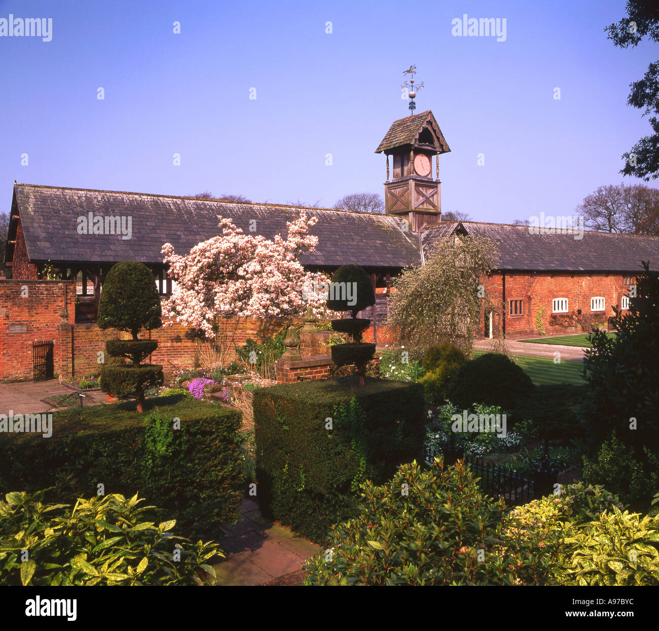 Tudor Clock Tower Stock Photos & Tudor Clock Tower Stock Images - Alamy