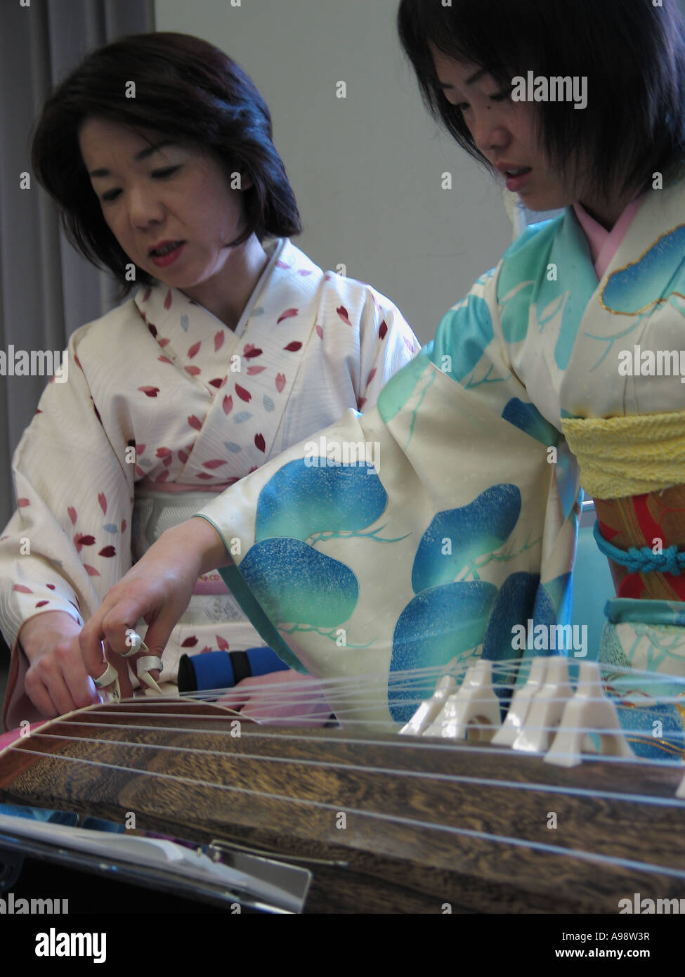 Japan women playing with them self foto 734