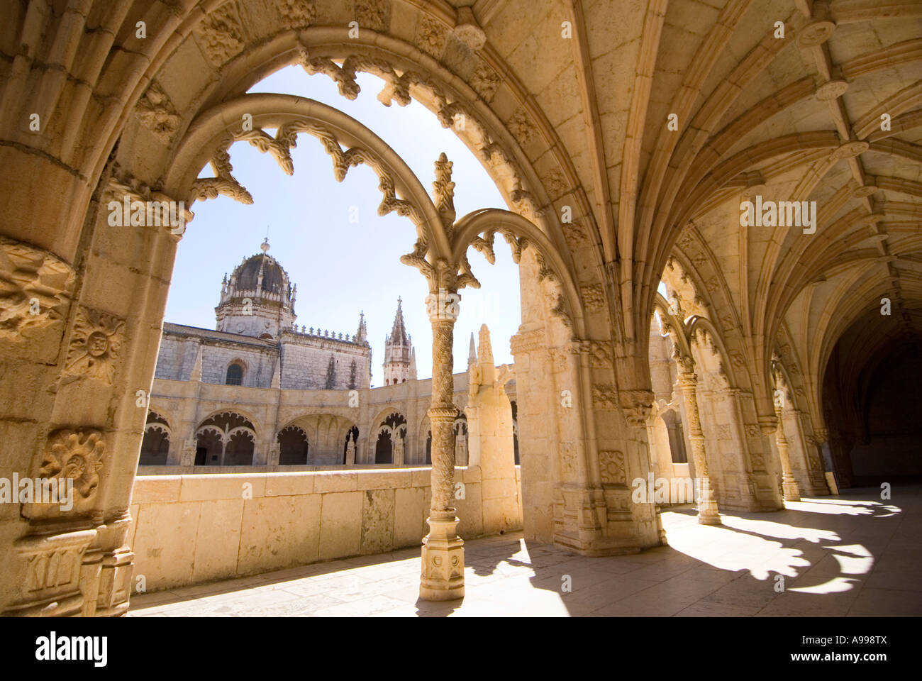 Excepcional Manueline cloisters inside the MOSTEIRO DOS JERONIMOS monastery in  LC98