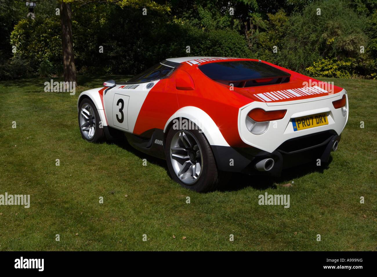 Lancia Stratos exhibit in gardens of Regent's Park College, London - Stock Image