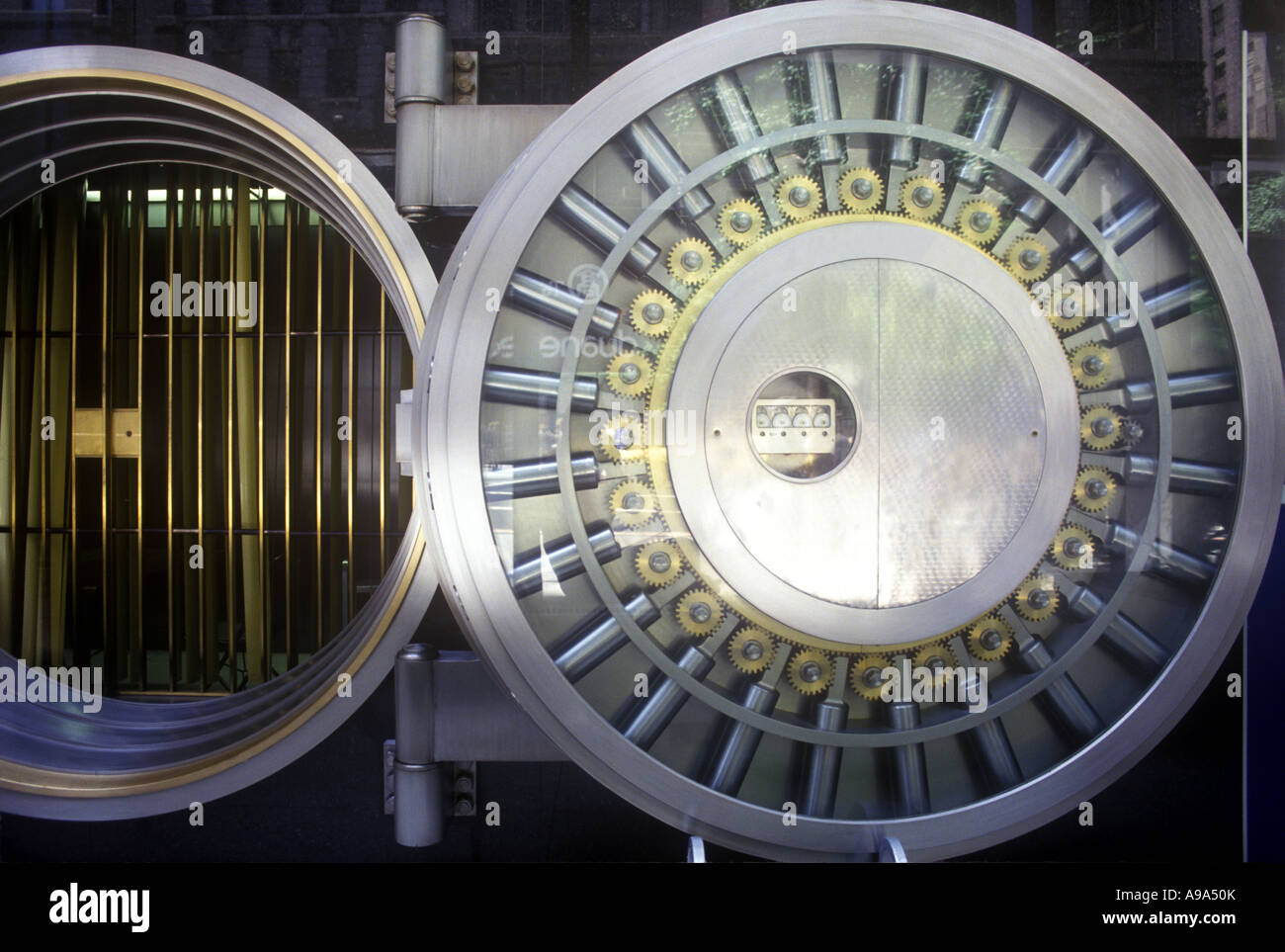 OPEN BANK VAULT SAFE DOOR - Stock Image