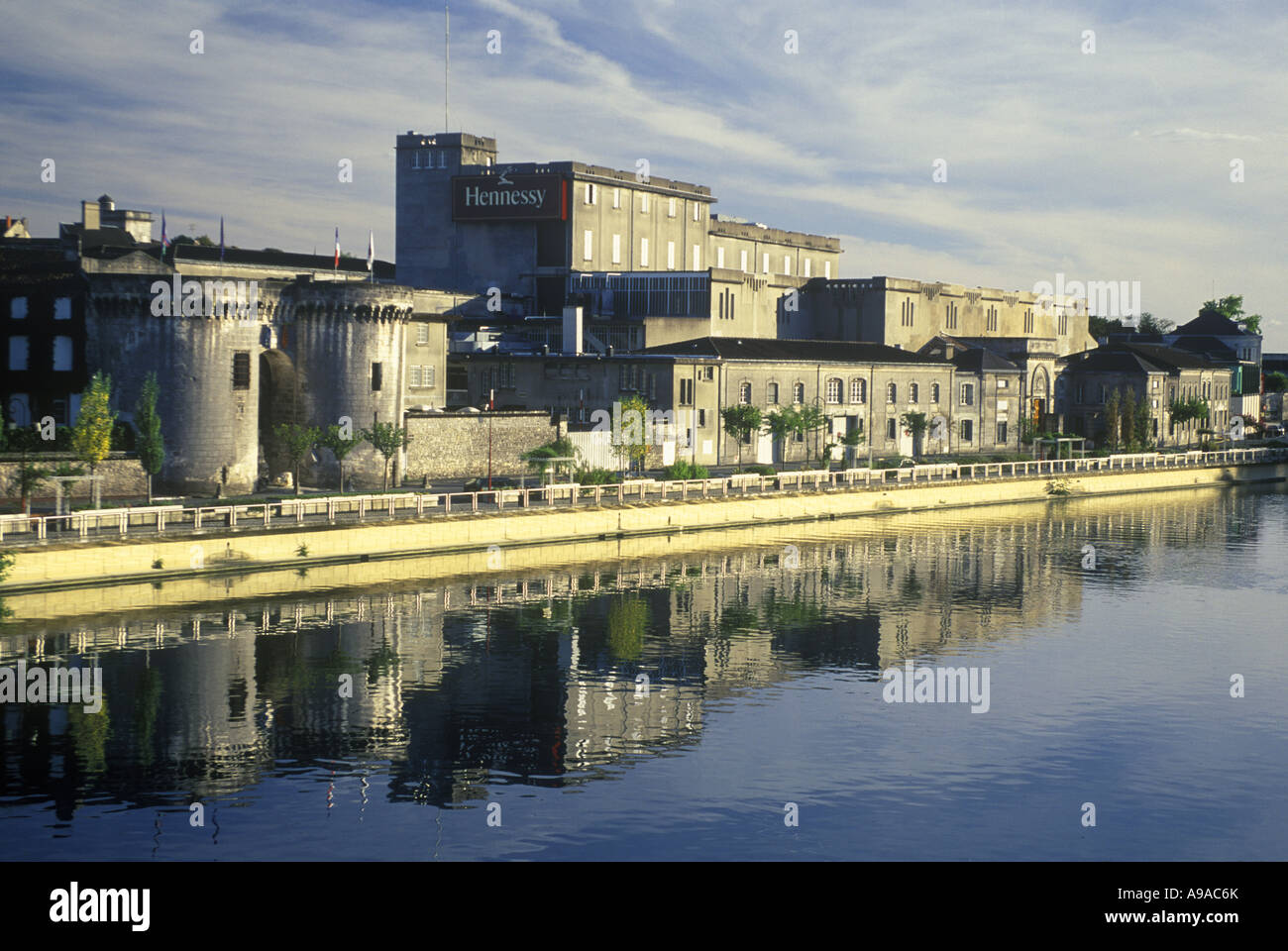 HENNESSEY DISTILLERY  COGNAC RIVER CHARENTE CHARENTE FRANCE - Stock Image