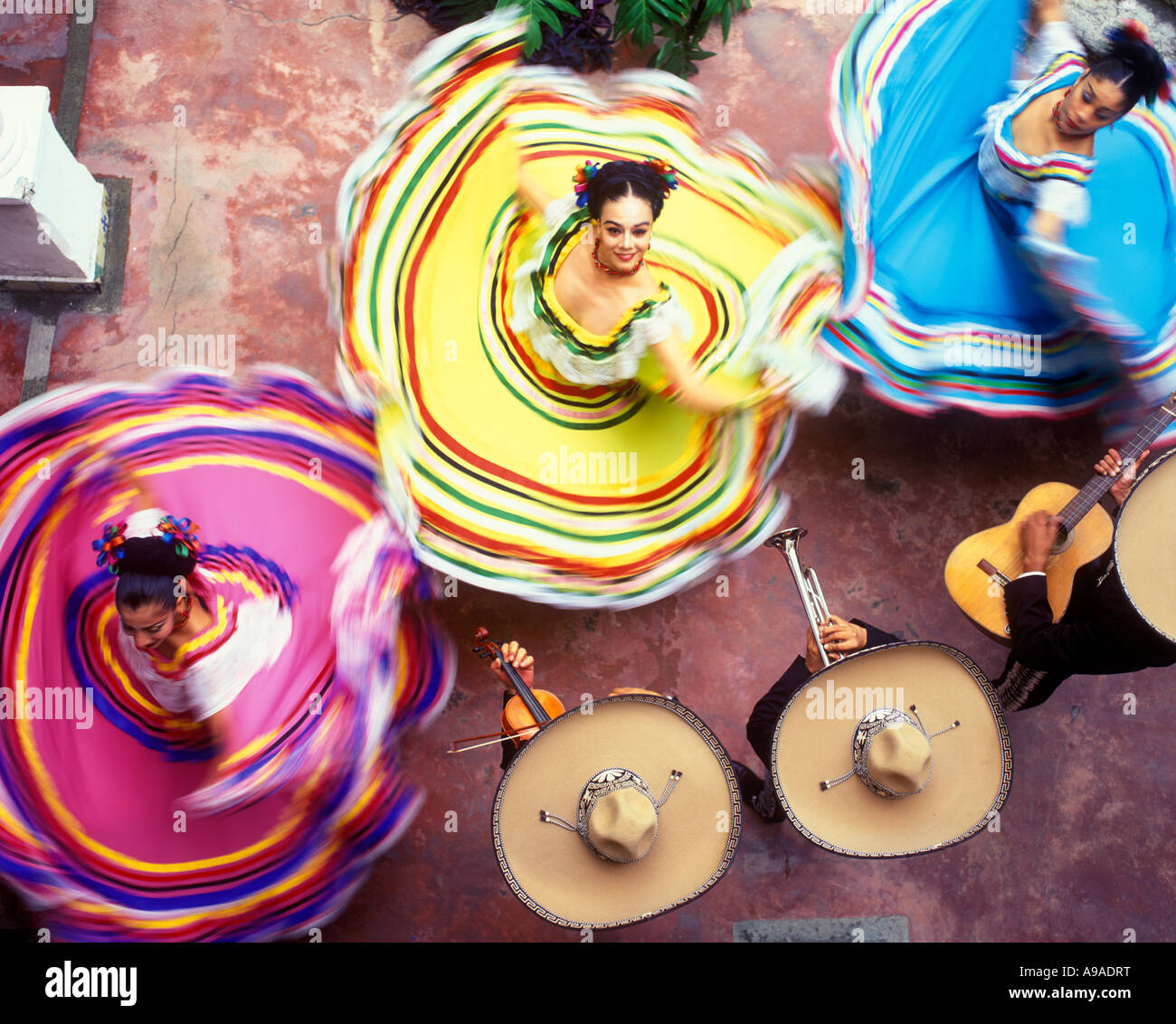 ABOVE WOMEN DANCERS MERIDA YUCATAN MEXICO - Stock Image