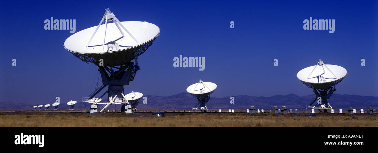 ROWS OF SATELLITE DISHES JANSKY VLART RADIO TELESCOPE ARRAY PLAINS OF SAINT AUGUSTINE NEW MEXICO USA - Stock Image