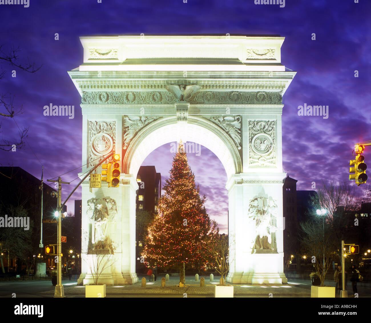 851993898 CHRISTMAS TREE NORTH FACE WASHINGTON SQUARE ARCH (©MCKIM MEAD ...