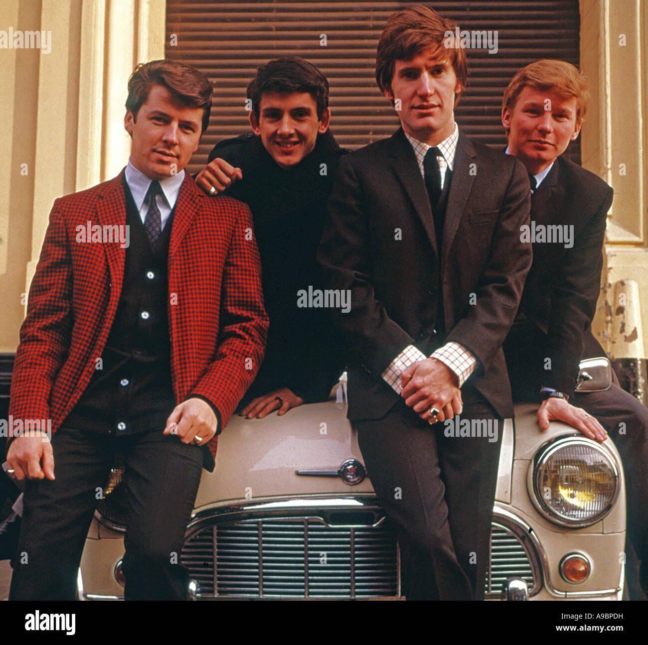 SEARCHERS - UK pop group in 1966 from l: Mike Pender, Frank Allen, Chris Curtis and John McNally. - Stock Image