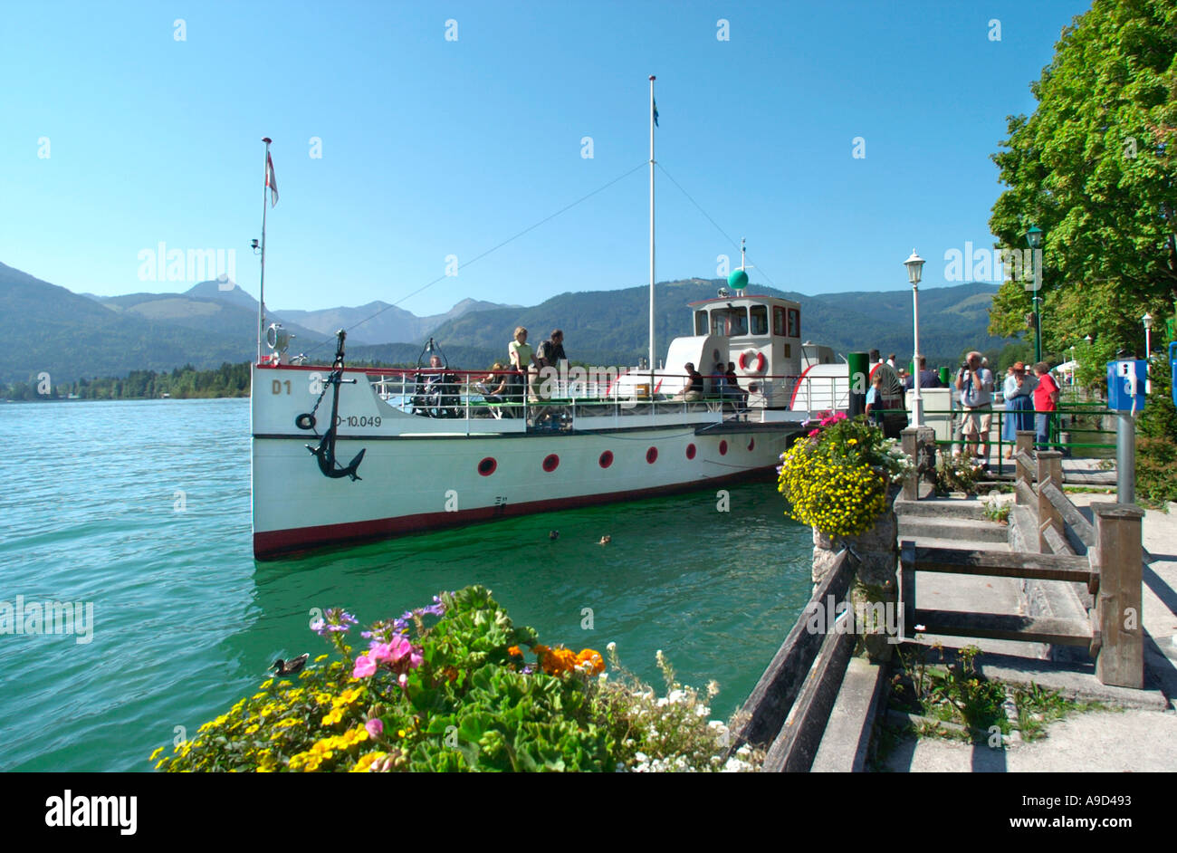 Ferry at the lakeside in St Wolfgang, Lake Wolfgang, Salzkammergut, Austria - Stock Image