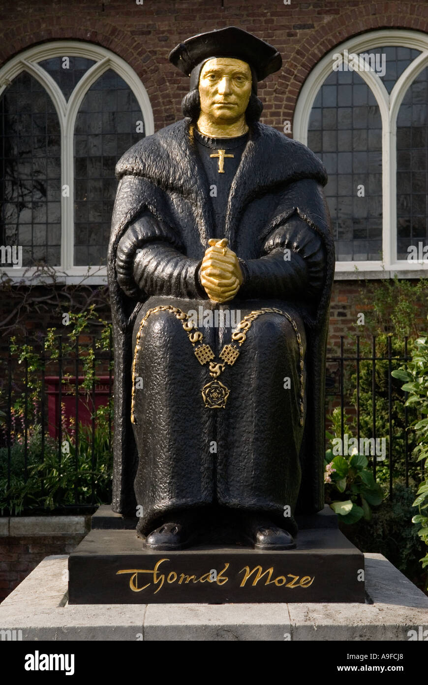 Sir Thomas More outside Chelsea Old Church. The Embankment, London SW3. England HOMER SYKES - Stock Image