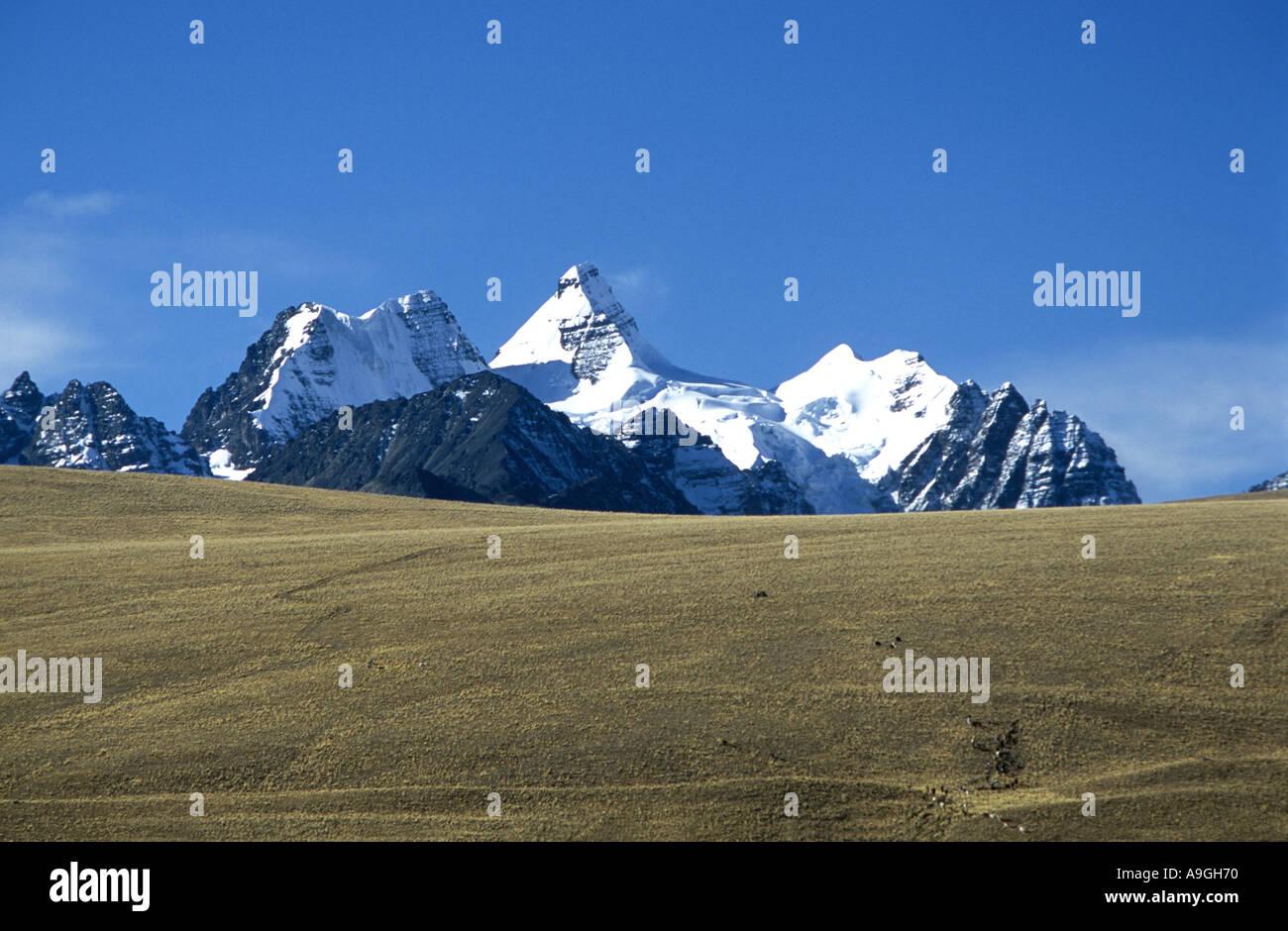 Cordillera Real with Cerro Condoriri, 18530 ft., Bolivia, Altiplano. - Stock Image