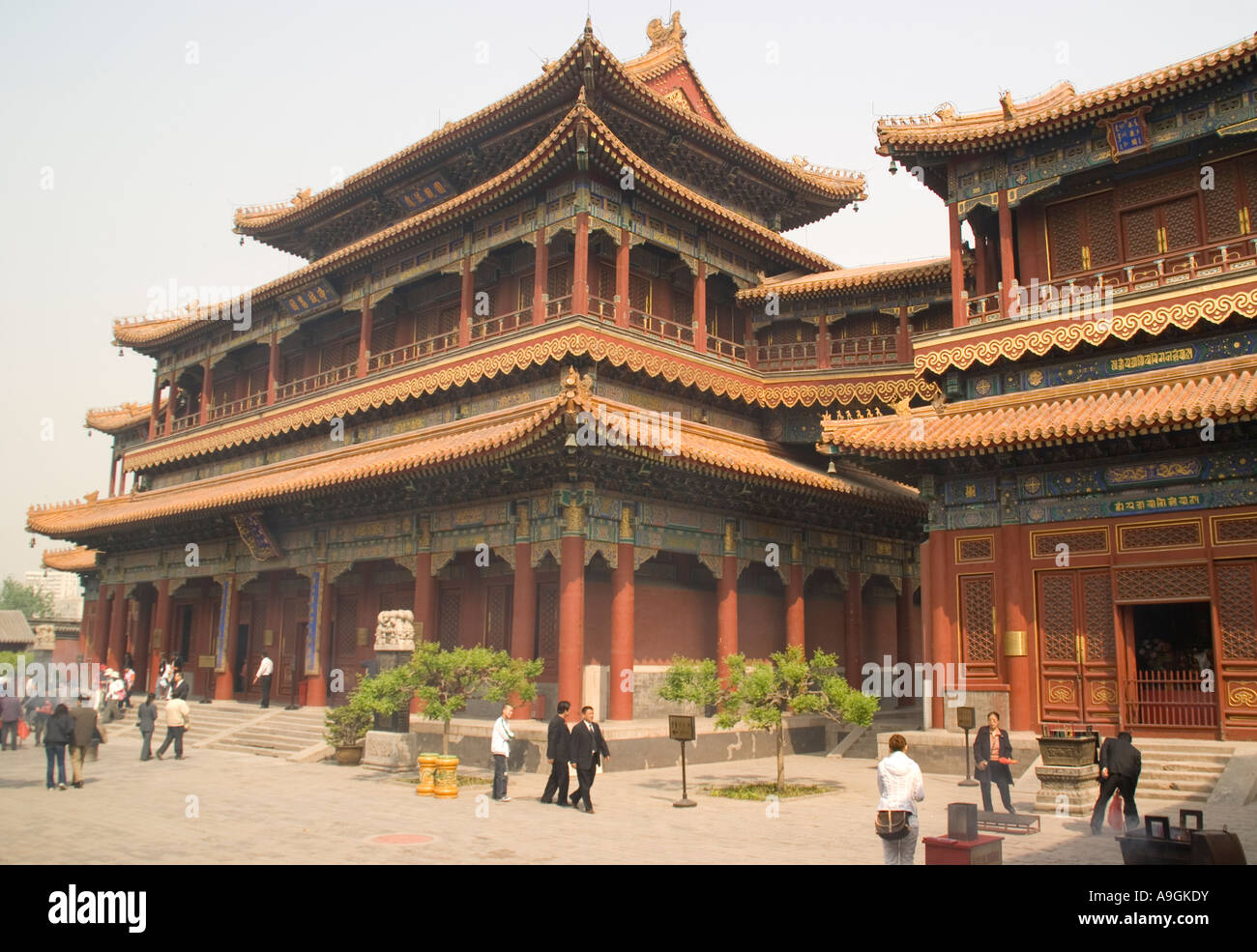 The Lama Temple (Yonghe Gong) Tower of Ten Thousand Happinesses Wanfu Ge, Beijing - Stock Image