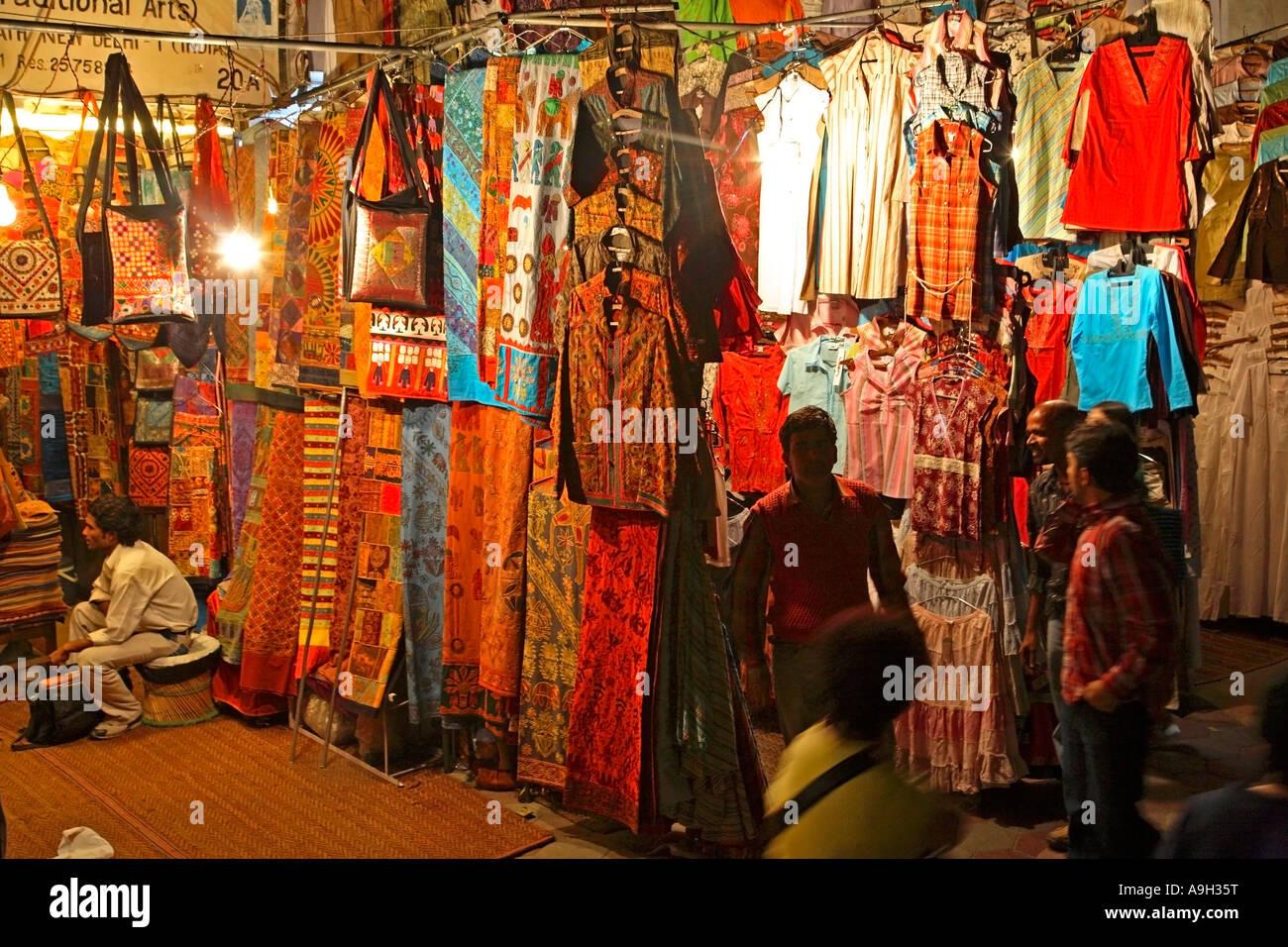 India Delhi Janpath By Night Mood Shops Market Night Shoppers Indian