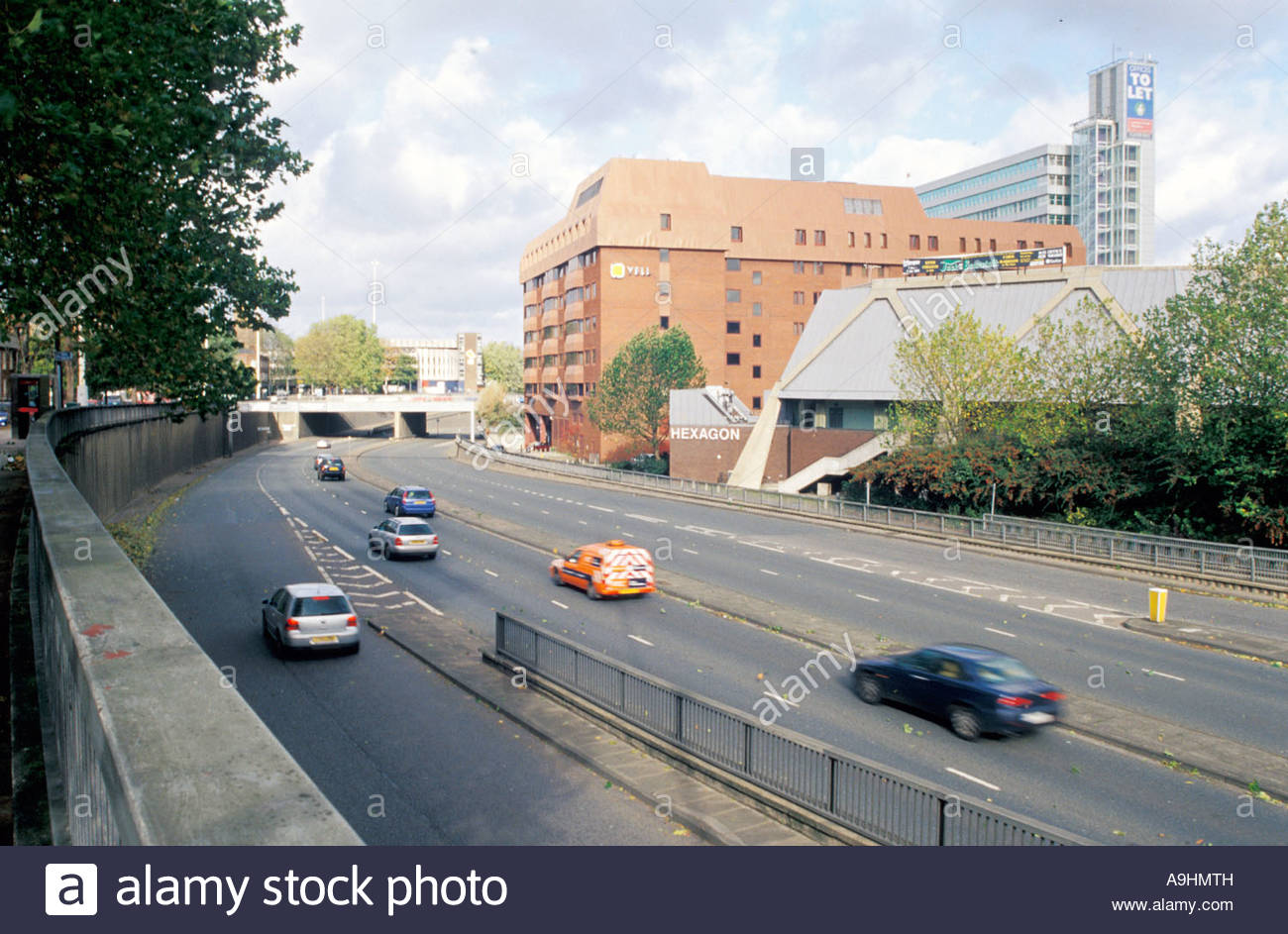 Reading IDR (Inner Distribution Road), section between Oxford Road and Castle Hill, viewed from Howard Street on - Stock Image