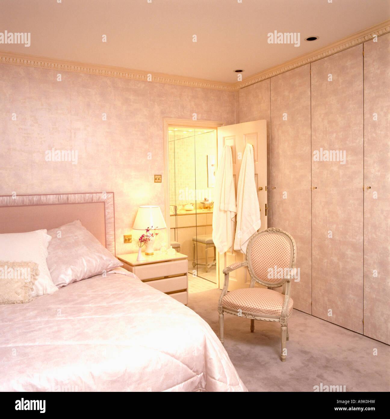 Eighties Pink Wallpaper Stock Photos & Eighties Pink Wallpaper Stock ...