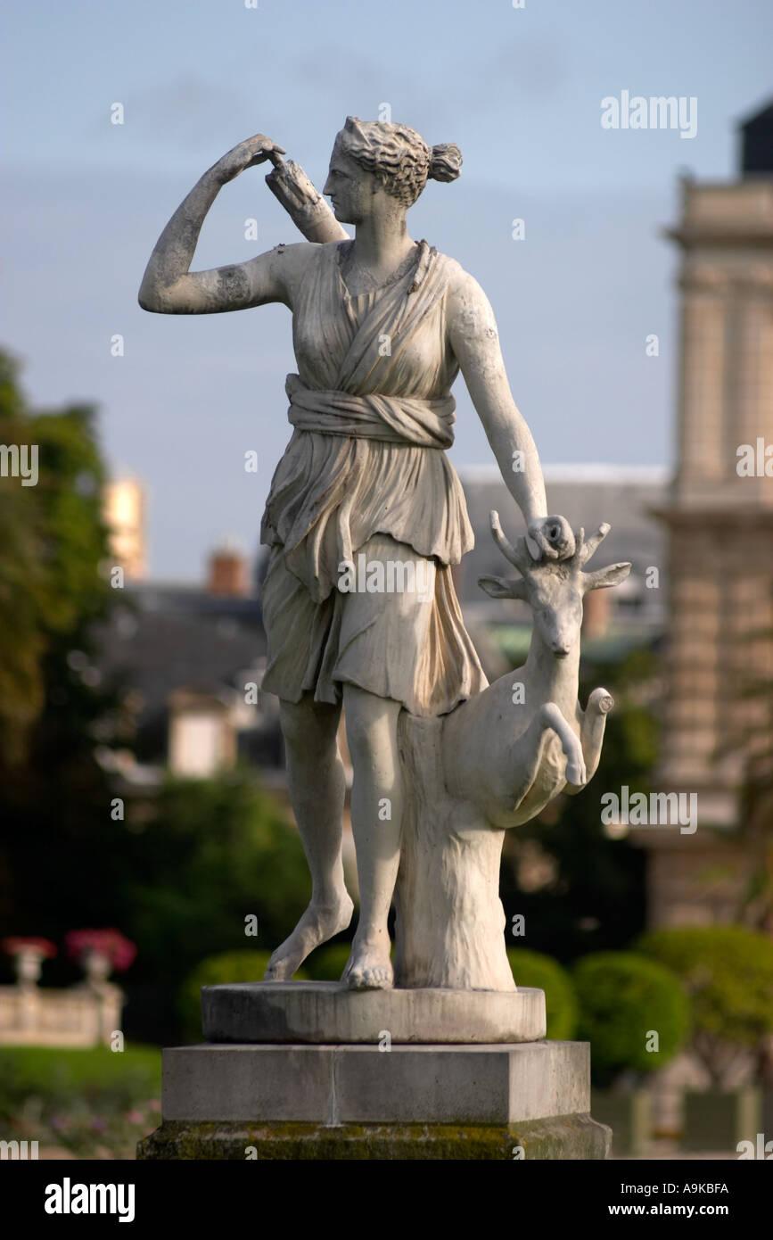 Statue of roman mythological hunting goddess diana at jardin du stock photo 2292729 alamy - Statue jardin ...