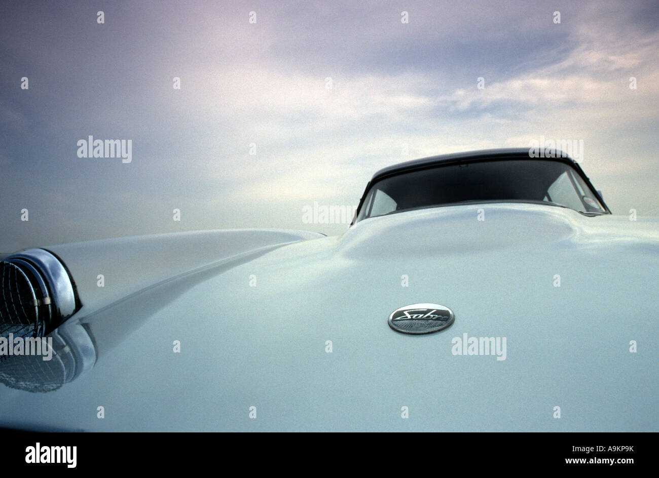 Reliant Sabre. Built 1961 to 1966. English car manufacturer 1934 on. Reliant auto badge marque British maker motif - Stock Image