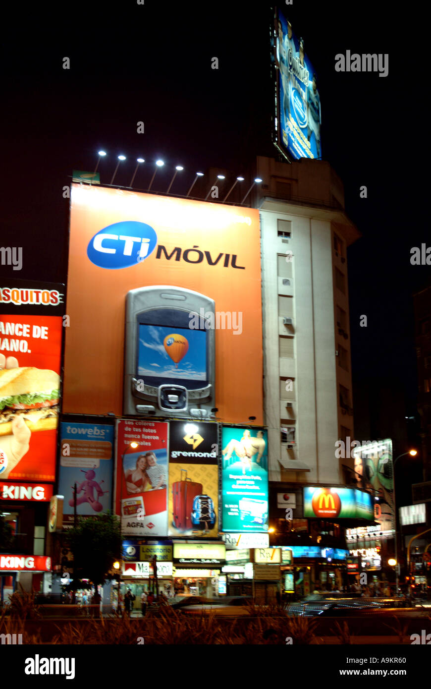 Argentina Buenos Aires CTI Movil mobile phone hoarding by the Plaza de la Republica at night - Stock Image