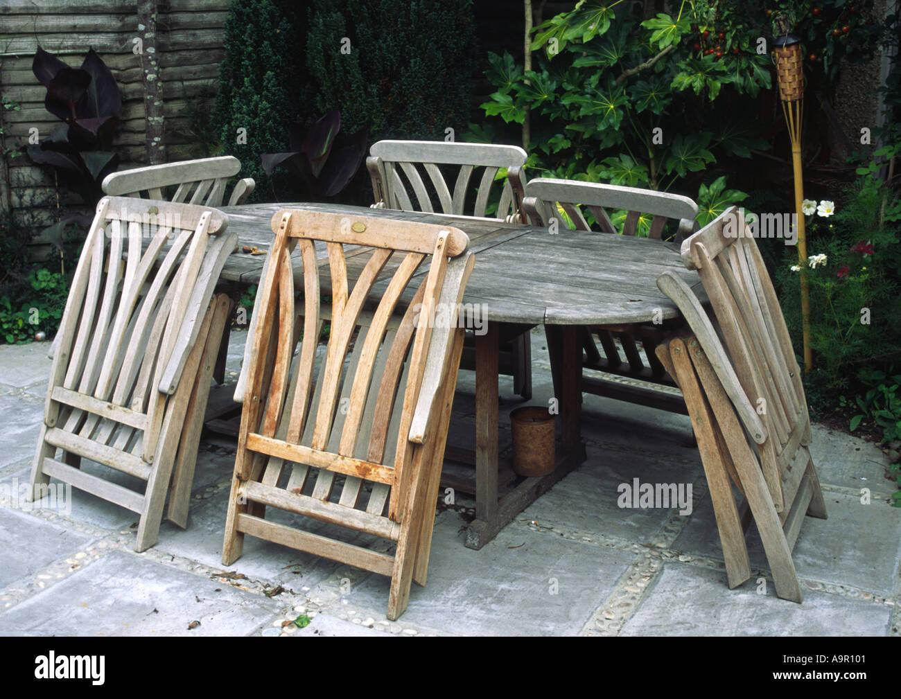 Patio furniture for alfresco dining