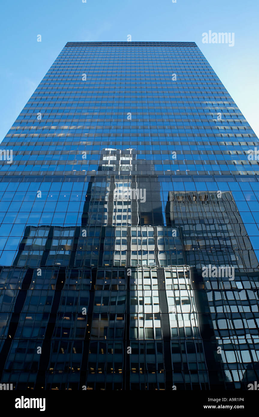 Fifth avenue reflections - Stock Image