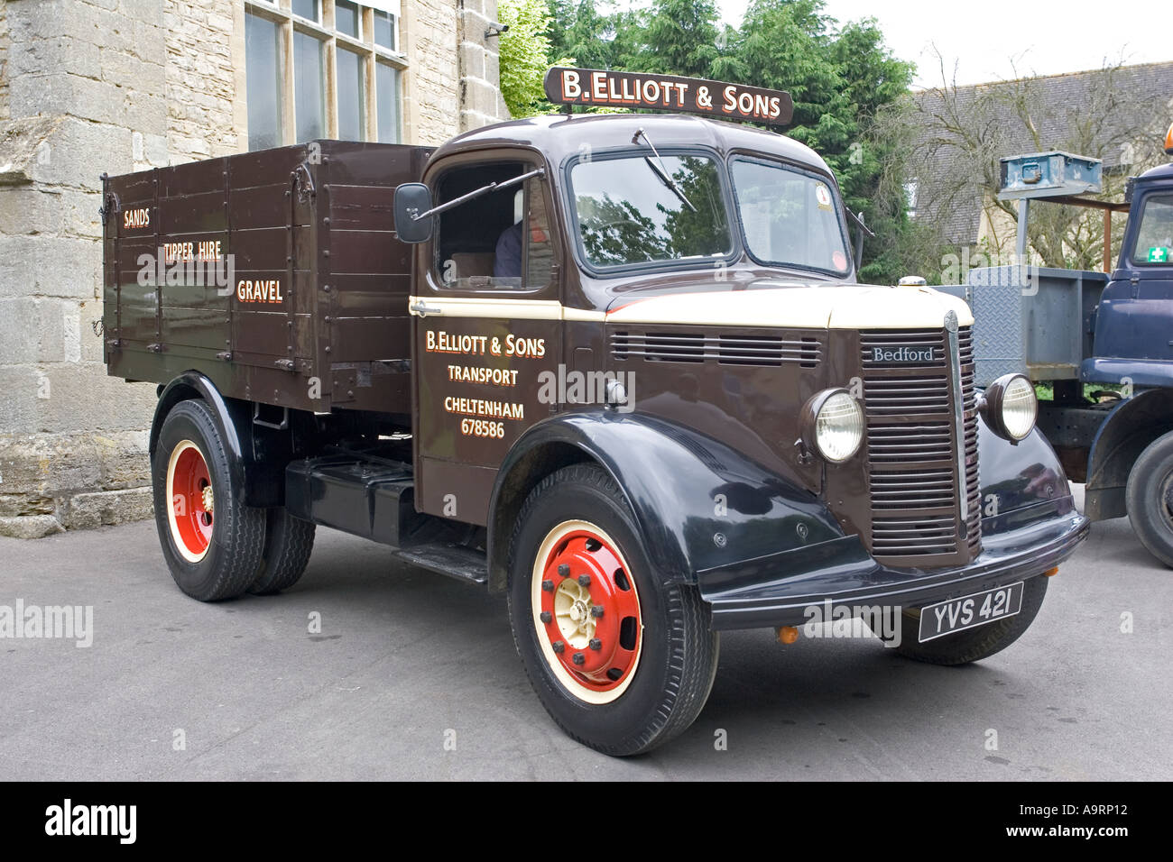 Elliot and Sons restored 1949 Bedford lorry Bishops Cleeve Flower Day Cheltenham UK - Stock Image