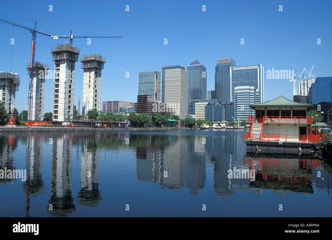 Milharbour construction and Canary Wharf - Stock Image