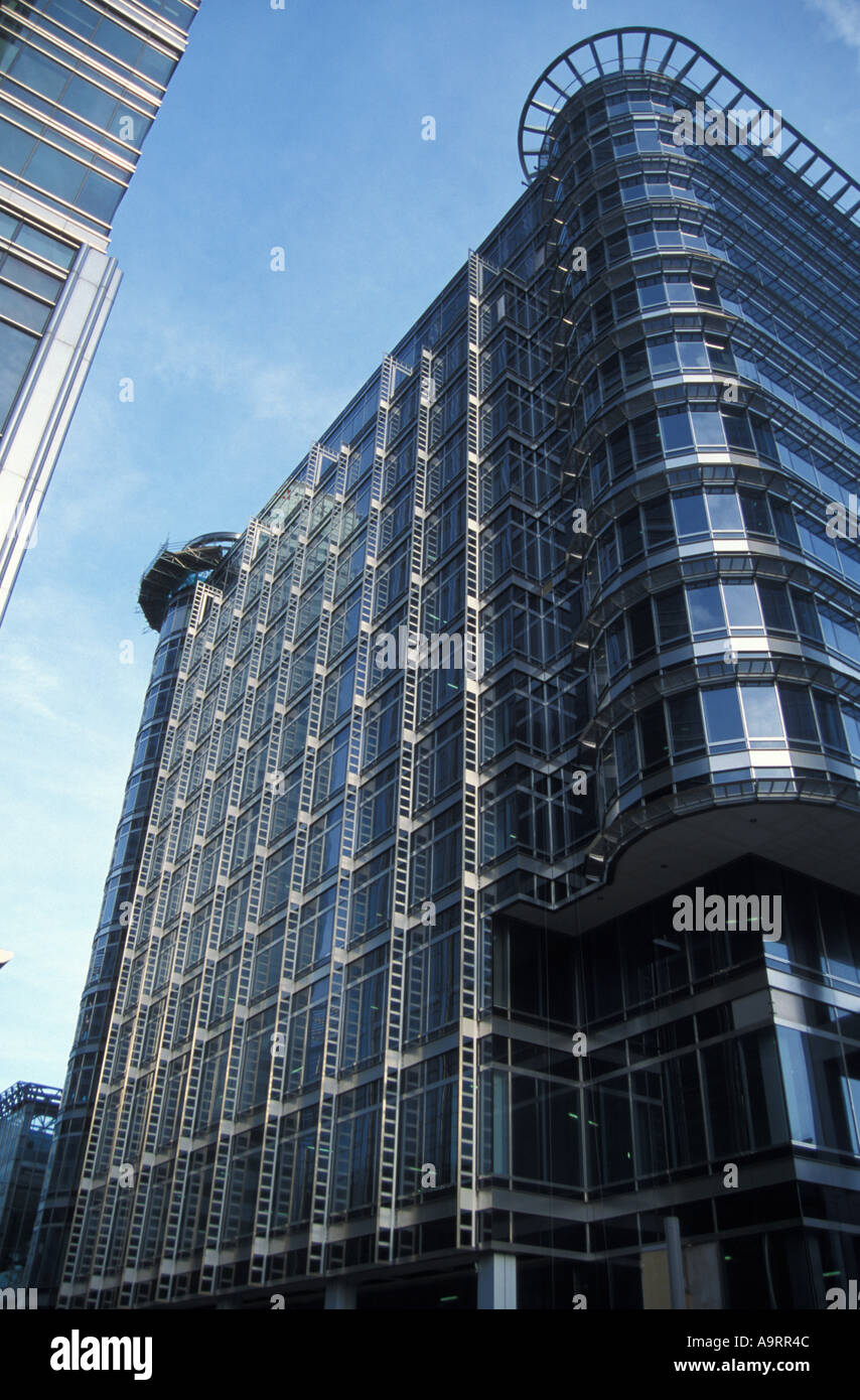 Tall building Canary Wharf South London - Stock Image