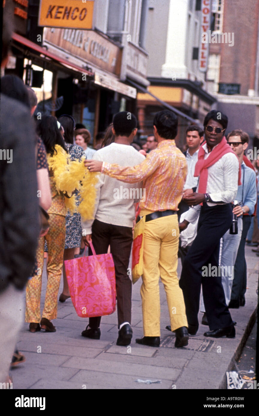 KINGS ROAD - contrasting styles in the famous Chelsea area of London in 1966 - Stock Image
