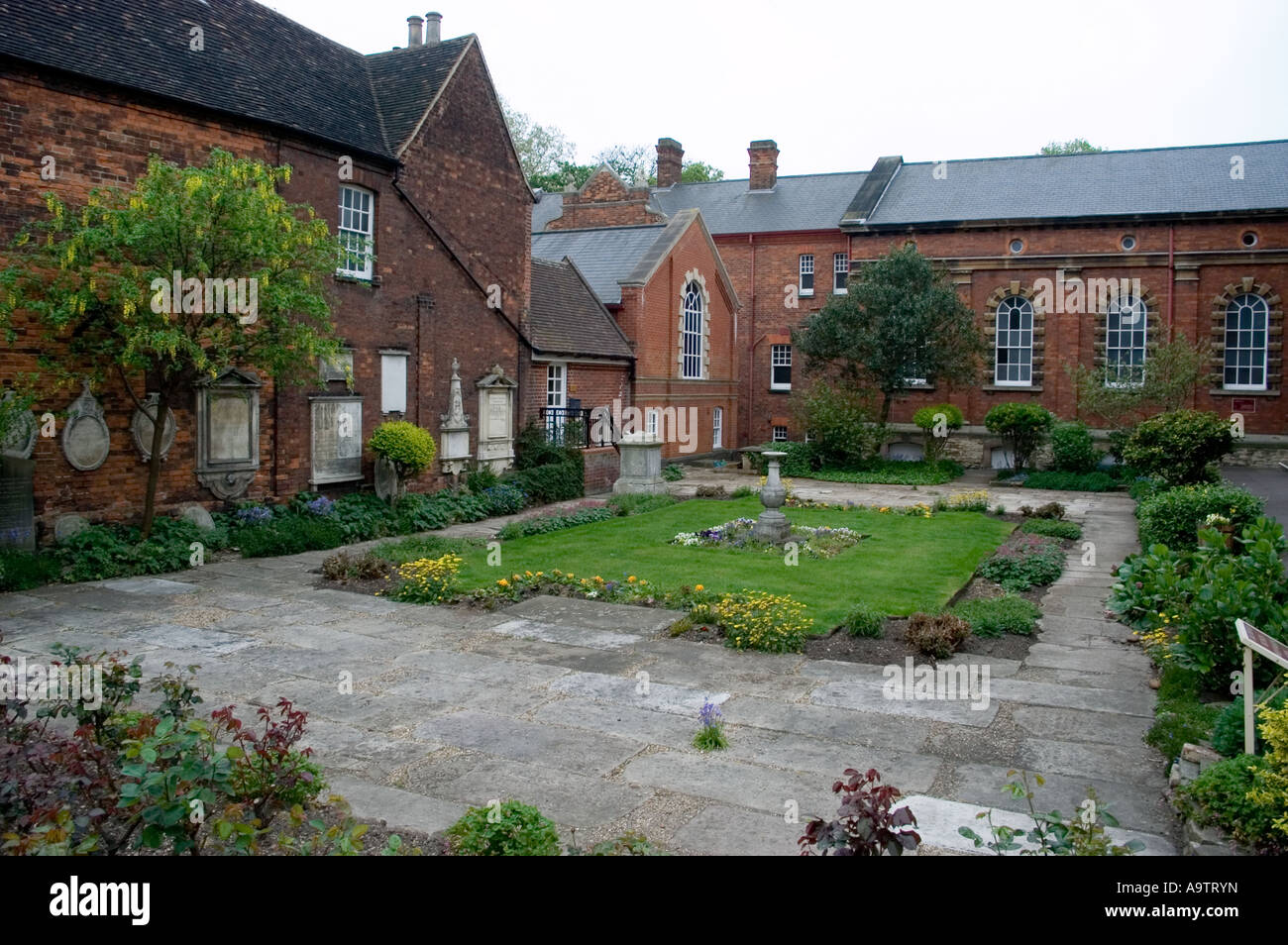 john bunyan meeting hall garden bedford author of pilgrim progress - Stock Image