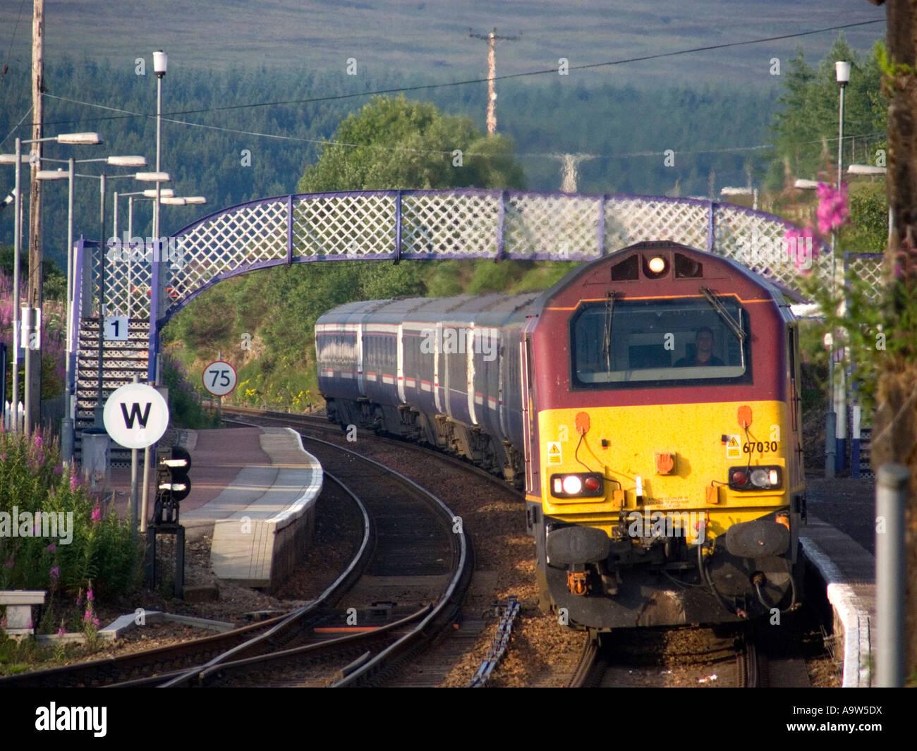 Class 67 Loco Hauling Euston To Invernees Overnight Sleeper