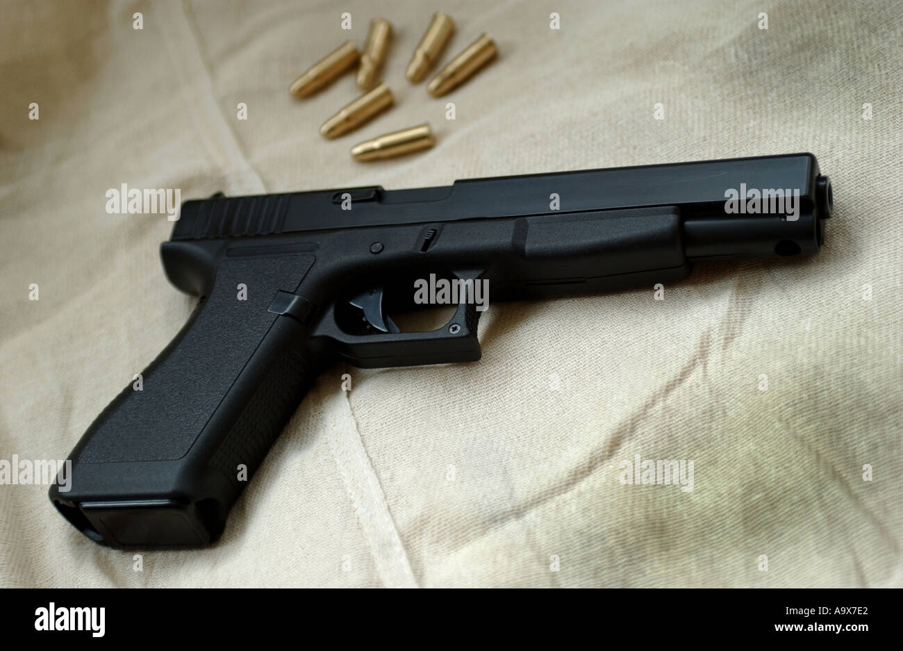Glock 17 Stock Photos & Glock 17 Stock Images - Alamy