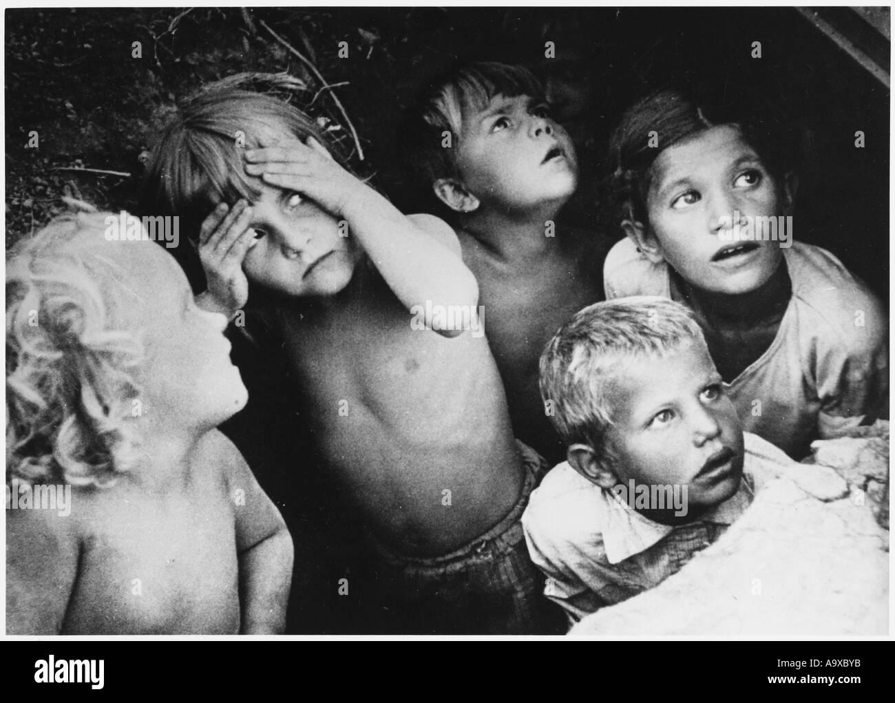 Air Raid  Children In - Stock Image