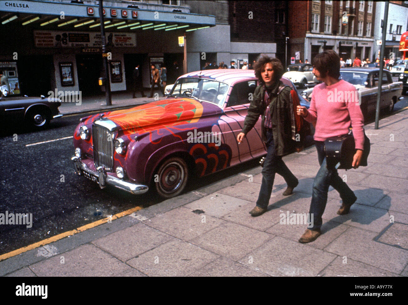 KINGS ROAD in Chelsea,London was at the centre of street fashion in 1965 when this shot was taken - Stock Image