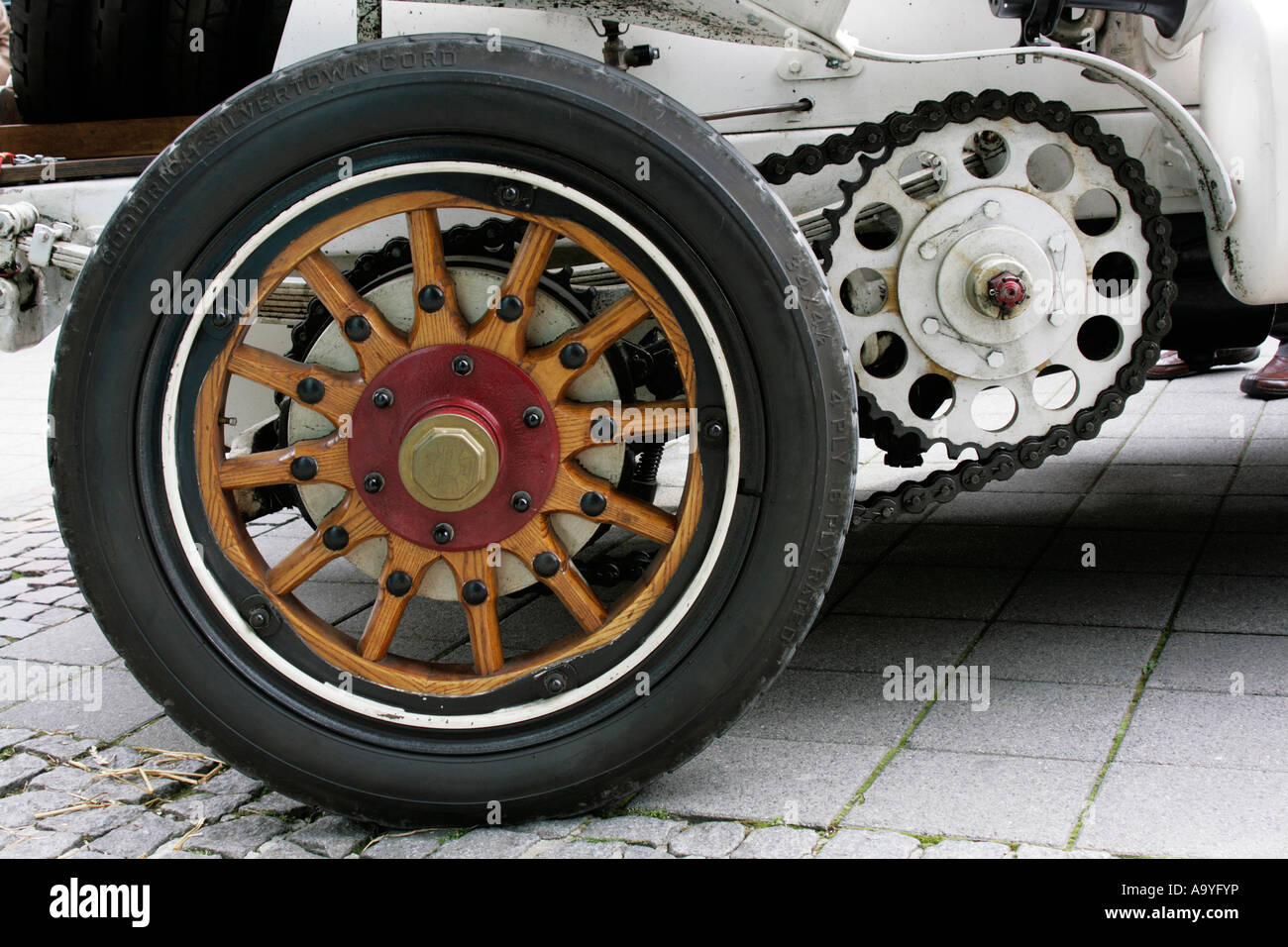 Vintage car Mercedes Simplex 28 / 32 of 1904, Wooden spokes wheel ...