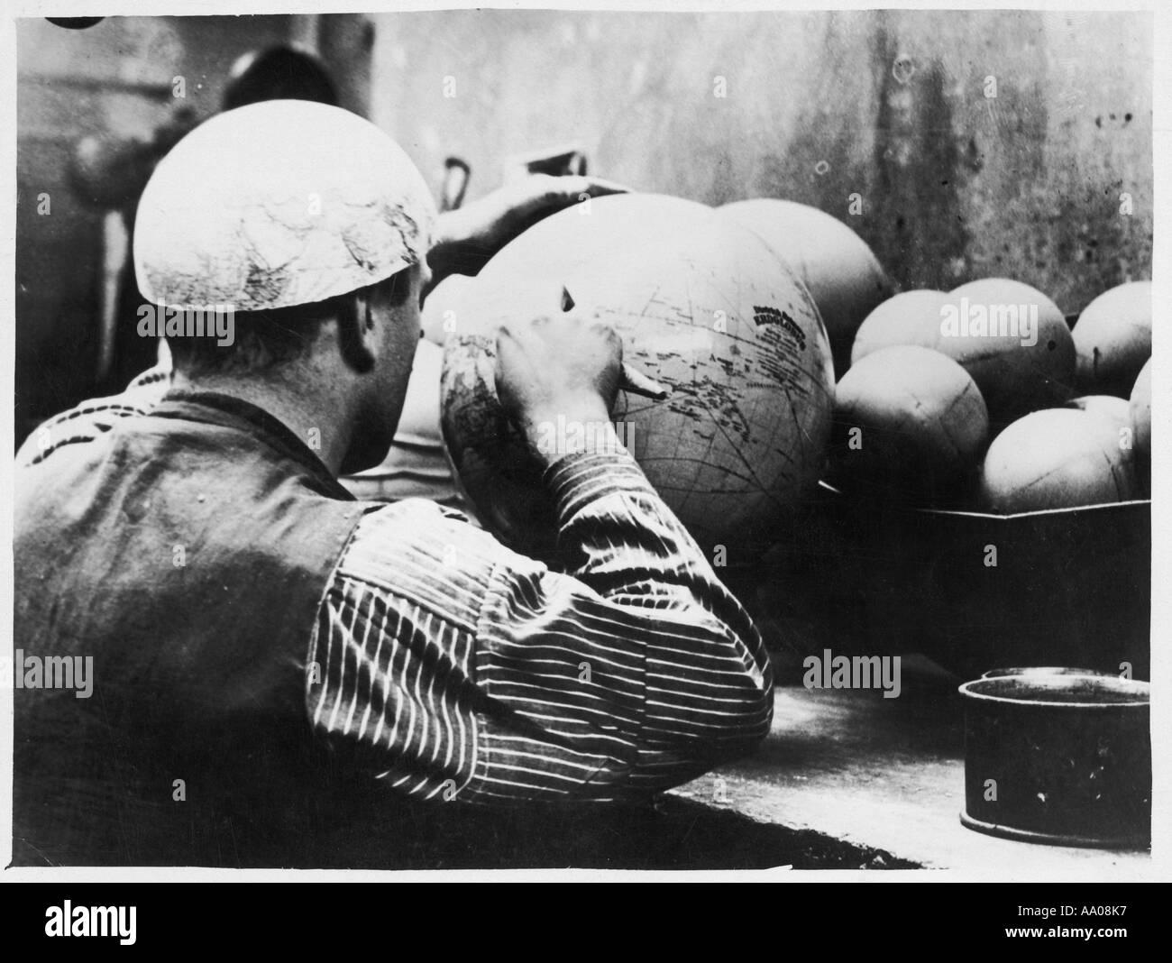 Globe Making 1930s - Stock Image