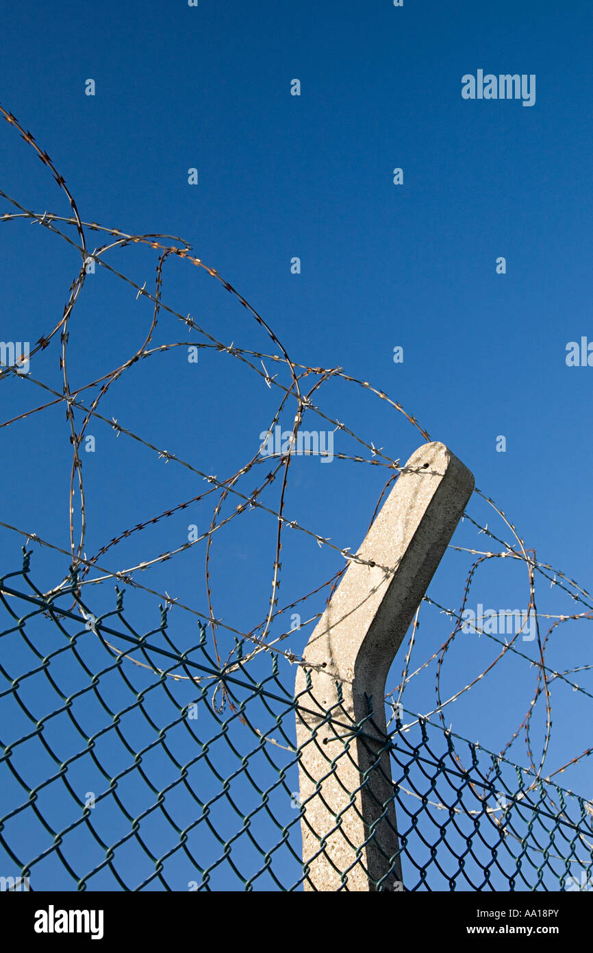Wire Fence Concrete Post Stock Photos & Wire Fence Concrete Post ...