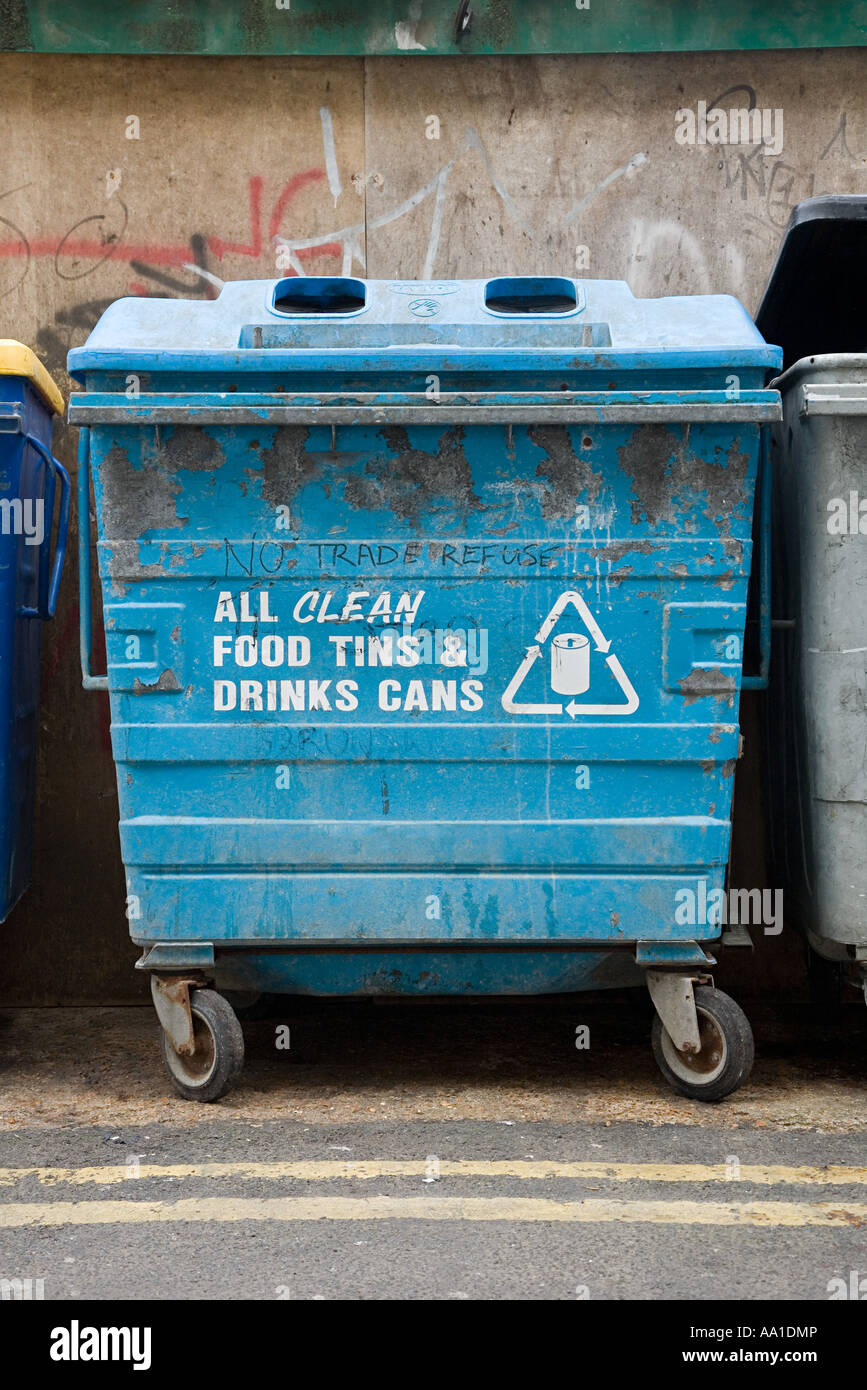 Recycling skip for cans - Stock Image