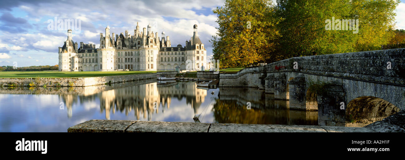 FRANCE LOIRE VALLEY CHATEAU CHAMBORD AT AUTUMN - Stock Image