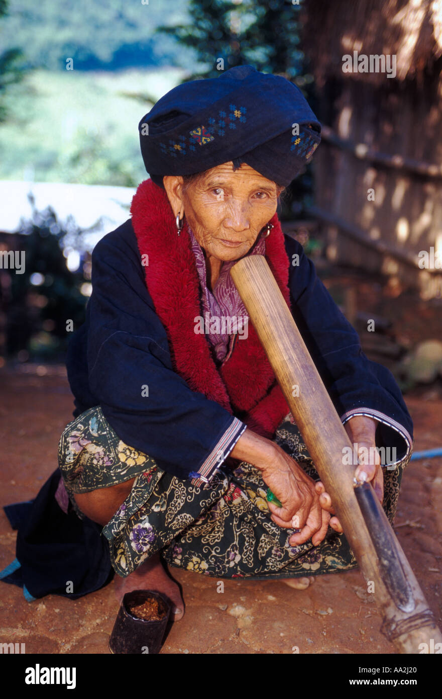 1 One Mien Woman Mien Woman Old Woman Mature Woman Ethnic Stock Photo Alamy