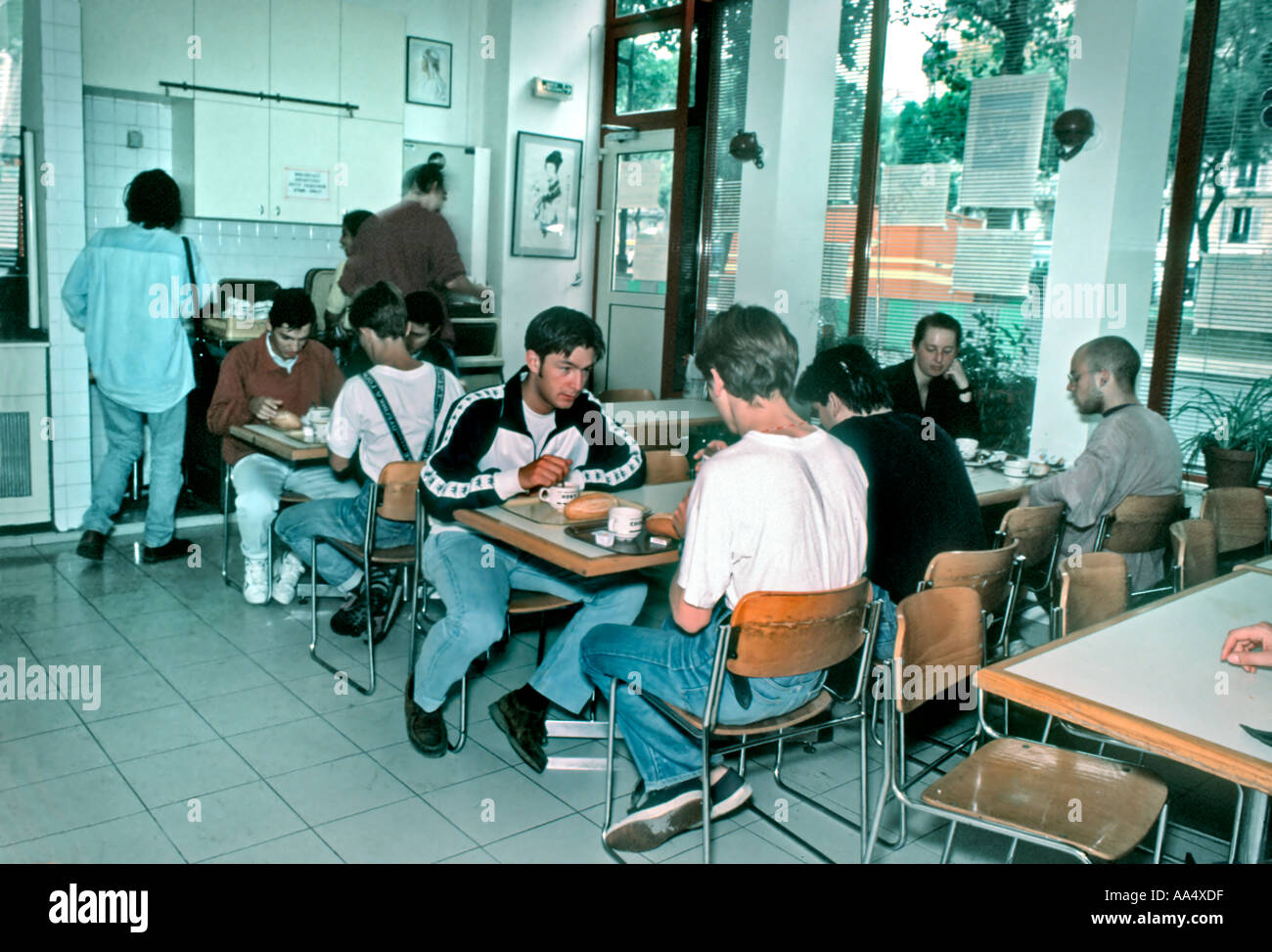 Paris France, Group Travel Teens Sharing Meals in Youth Hostel Cafeteria 'Auberge Jules e-rry' - Stock Image