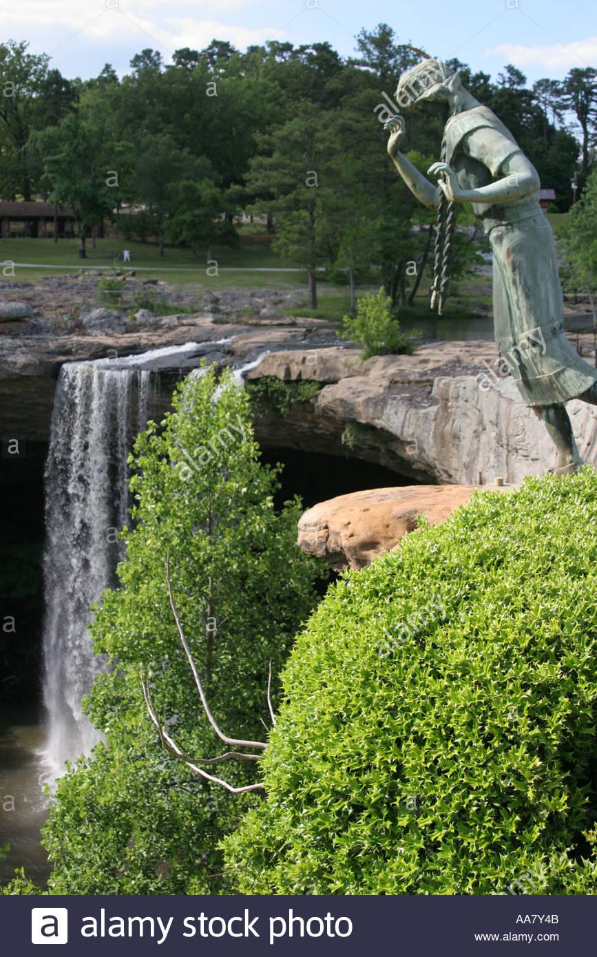 Noccalula Falls Park Stock Photos & Noccalula Falls Park Stock ...