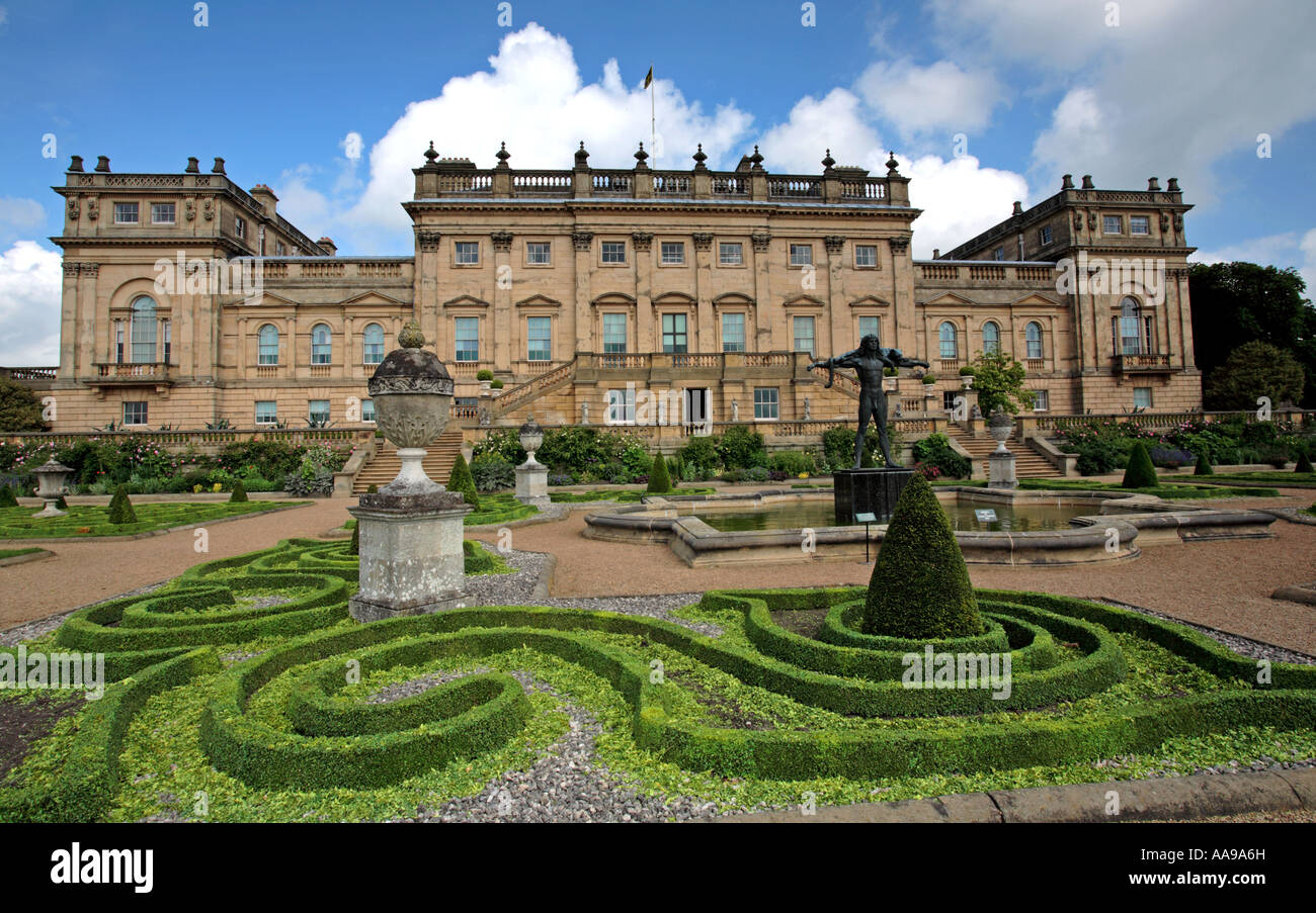 Yorkshire Terrace: Harewood House Terrace Stock Photos & Harewood House