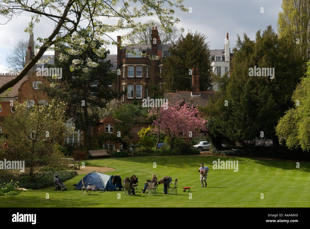 Green Space Children Houses Stock Photos Amp Green Space Children Houses Stock Images Alamy