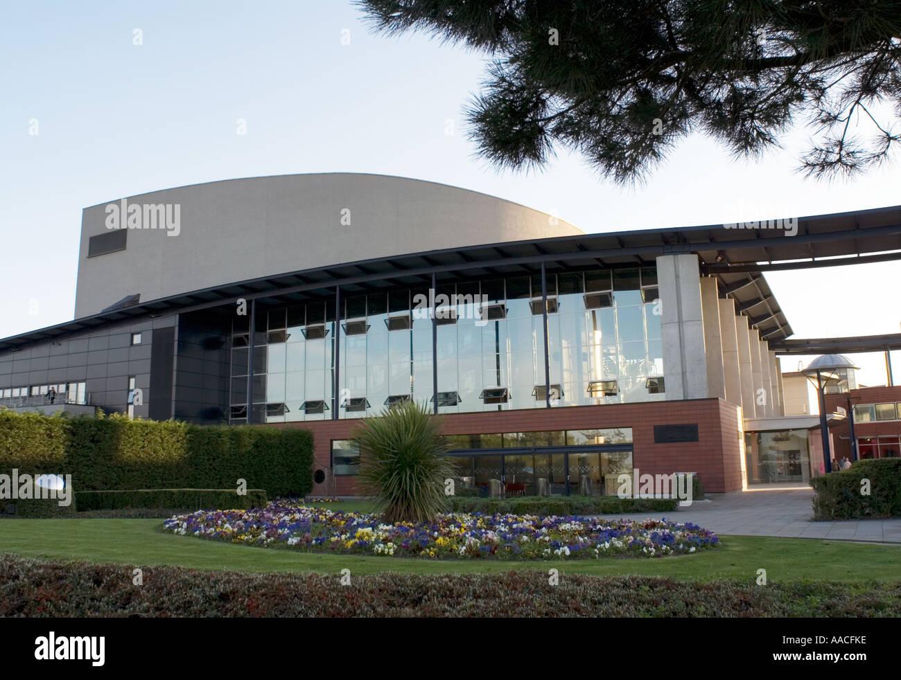 PICTURE CREDIT DOUG BLANE Milton Keynes Theatre, Central Milton Keynes, the Centre MK - Stock Image